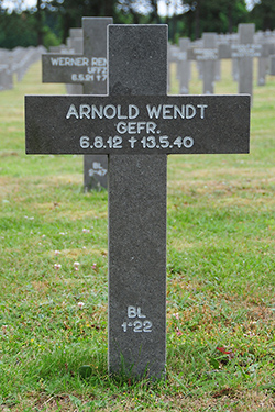 Foto van het graf / Grave photo / Grabfoto - klik voor een vergroting / enlarge photo / foto Vergrössern